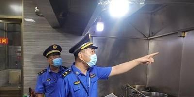 """商丘市睢阳区城管局双措并举用""""新""""治理餐饮油烟污染问题"""
